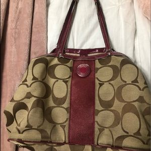 coach purse logo with maroon straps